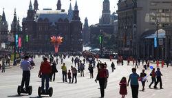 Большинство россиян считает, что в их стране жить лучше, чем за границей