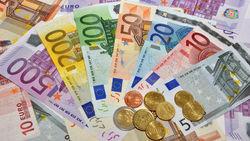 Ослабление курса рубля к евро на Форексе имеет неконтролируемый характер