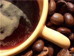 Кофе делает женщин энергичнее, а мужчин - нет