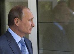 Откат от советских достижений бьет по Путину сильнее, чем слабый рубль