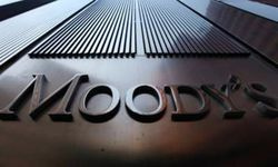 Аналитики Moody's понизили рейтинги городов и компаний России