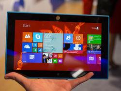 Из-за проблем с зарядным устройством приостановлены продажи Lumia 2520