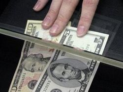 В Узбекистане получателей денежных переводов обязали проходить процедуру допроса