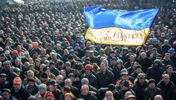 """""""Беркут"""" и внутренние войска освободили правительственный квартал в Киеве"""
