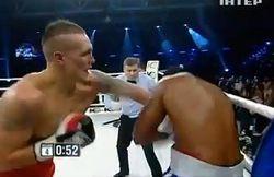 Второй бой – вторая победа нокаутом Александра Усика