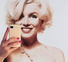 В App Store появился раздел с приложениями для любителей фотографировать самих себя