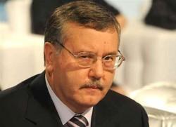 Гриценко советует начать мобилизацию офицеров запаса