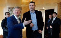 Кличко и Ахметов обсудили пути решения кризиса в Украине