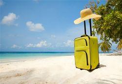 Российских туристов стали выселять из отелей Греции и Испании