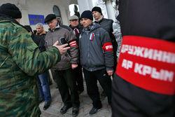 Самооборона избивает нероссийских журналистов, работающих на референдуме
