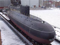 """В России спустили на воду новейшую подводную лодку """"Черная дыра"""""""