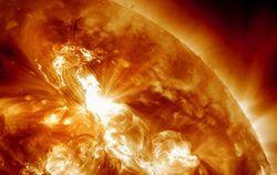 Солнце встретило 2014 год двумя мощными вспышками