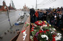 Каспаров не приедет на похороны Немцова, Навальный просит суд отпустить его