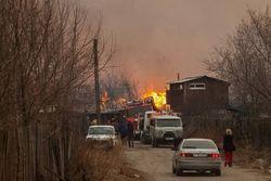 Спасателям удалось справиться с массовыми пожарами в Хакасии
