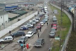 В Керченском проливе шторм, переправа едва работает