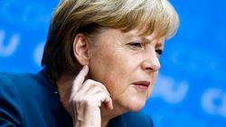 Почему Меркель хочет видеть Медведчука за столом переговоров