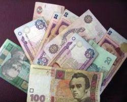 """Нацбанк Украины: украинцы достали гривну """"из-под матрасов"""" и понесли ее в банки"""
