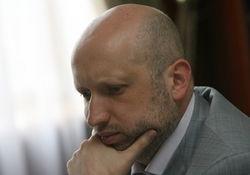 Самооборона Майдана подожгла шины на Грушевского и требует Турчинова