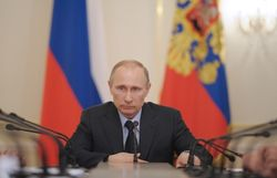 Путин провел совещание членов Совбеза РФ по решению парламента Крыма