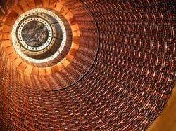 Большой адронный коллайдер готовится к запуску после двух лет «простоя»