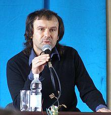 Вакарчук прокомментировал ситуацию в официальном видео