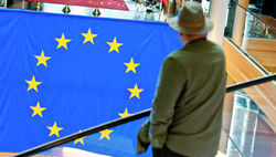 ЕС требует от РФ сотрудничества с Порошенко и готовит санкции в случае необходимости