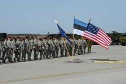 США посылают в Эстонию 600 солдат на танках и БТР