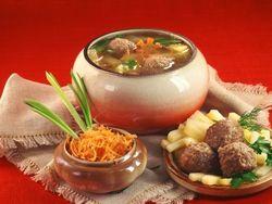 В меню ресторанов РФ обязательно должны быть блюда русской кухни – Дума