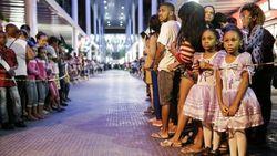 Жители Рио вышли с протестами на церемонию доставки олимпийского огня