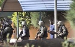 Террористы напали на элитный курорт в Мали