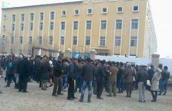 Узбекистан: на тысячи соискателей биопаспортов - одно окно