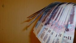 Курс рубля на Форекс падает к евро и фунту стерлингов