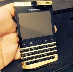 Passport Gold — топовая модель смартфона от BlackBerry