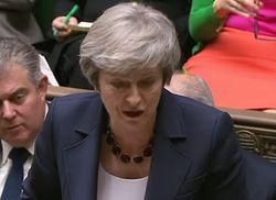 Премьеров Великобритании и Чехии хотят отправить в отставку: причины