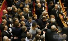 Законы Колесниченко-Олийныка оспорили в суде
