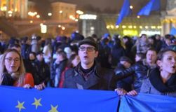 МВД сообщает о новом правонарушении на Майдане – студента облили зеленкой