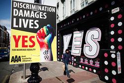 В Ирландии узаконены однополые браки