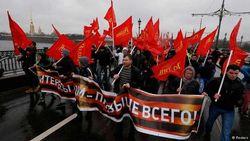 Кремль клеймит украинских националистов, но холит своих доморощенных