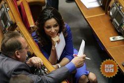 Почему Рада не хочет отпускать депутатов, подавших в отставку