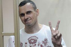 Олег Сенцов отмечает 40-летие в российских застенках
