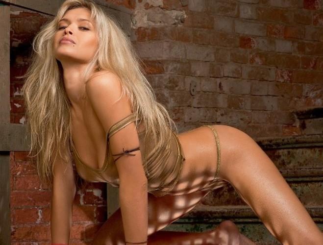 Вера Брежнева (Vera Brejneva) в фотосессии для журнала Максим (Maxim) (сент