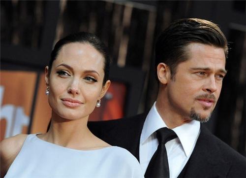 Анджелина Джоли добилась опеки над детьми