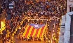 Мадрид через суд запрещает каталонцам проводить референдум