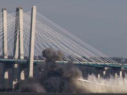 В Сети показали видео подрыва моста в Нью-Йорке