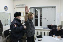 """Кандидат в мэры Новосибирска рокер """"Паук"""" задержан за дебош в аэропорту"""