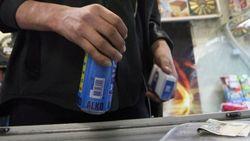 В Госдуме предлагают продавать спиртное только по банковским картам