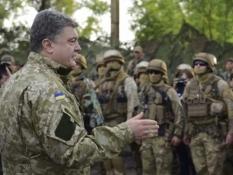 Танки боевиков будем жечь современным высокоточным оружием – Порошенко
