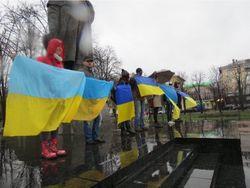 В Луганске прошел митинг против сепаратизма, за единую Украину