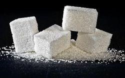 На бирже падает цена на фьючерс сахара - трейдеры