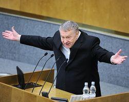 Рубль обвалили нефтяники, а долги неимущих нужно простить – Жириновский